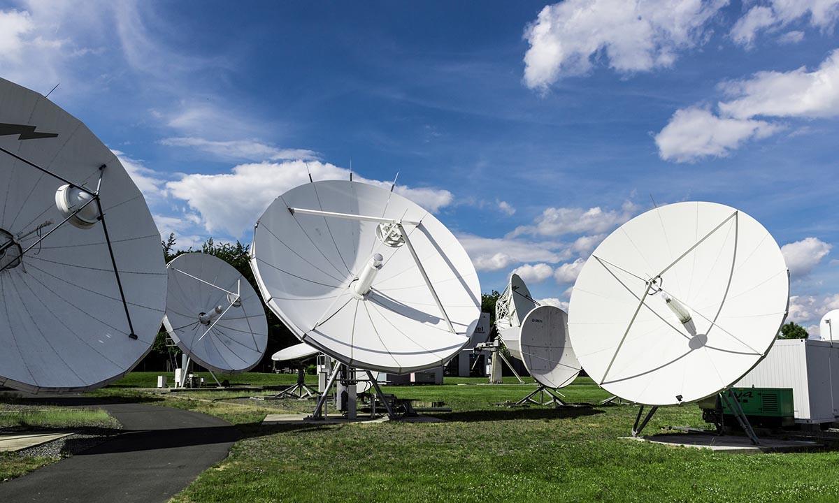 satellite-001
